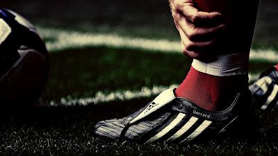 Stevan Gerrard Adidas Crampon Shoes HD Desktop Wallpaper