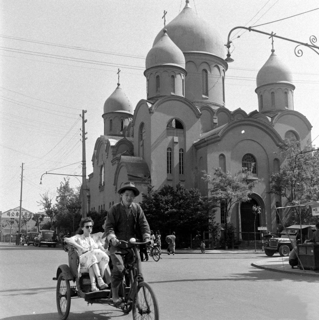 30 после ii ватиканского собора в 1966 году в базилике был сооружен восточный придел для православных богослужений