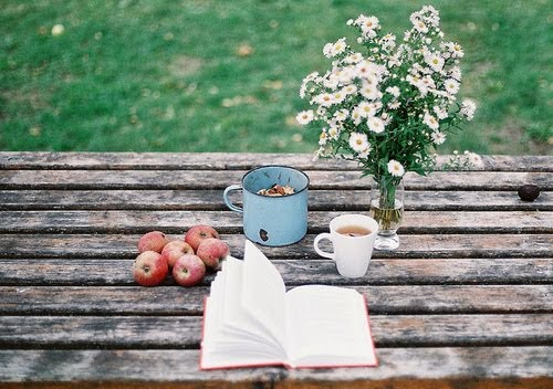 Books. Coffee. Daisies.