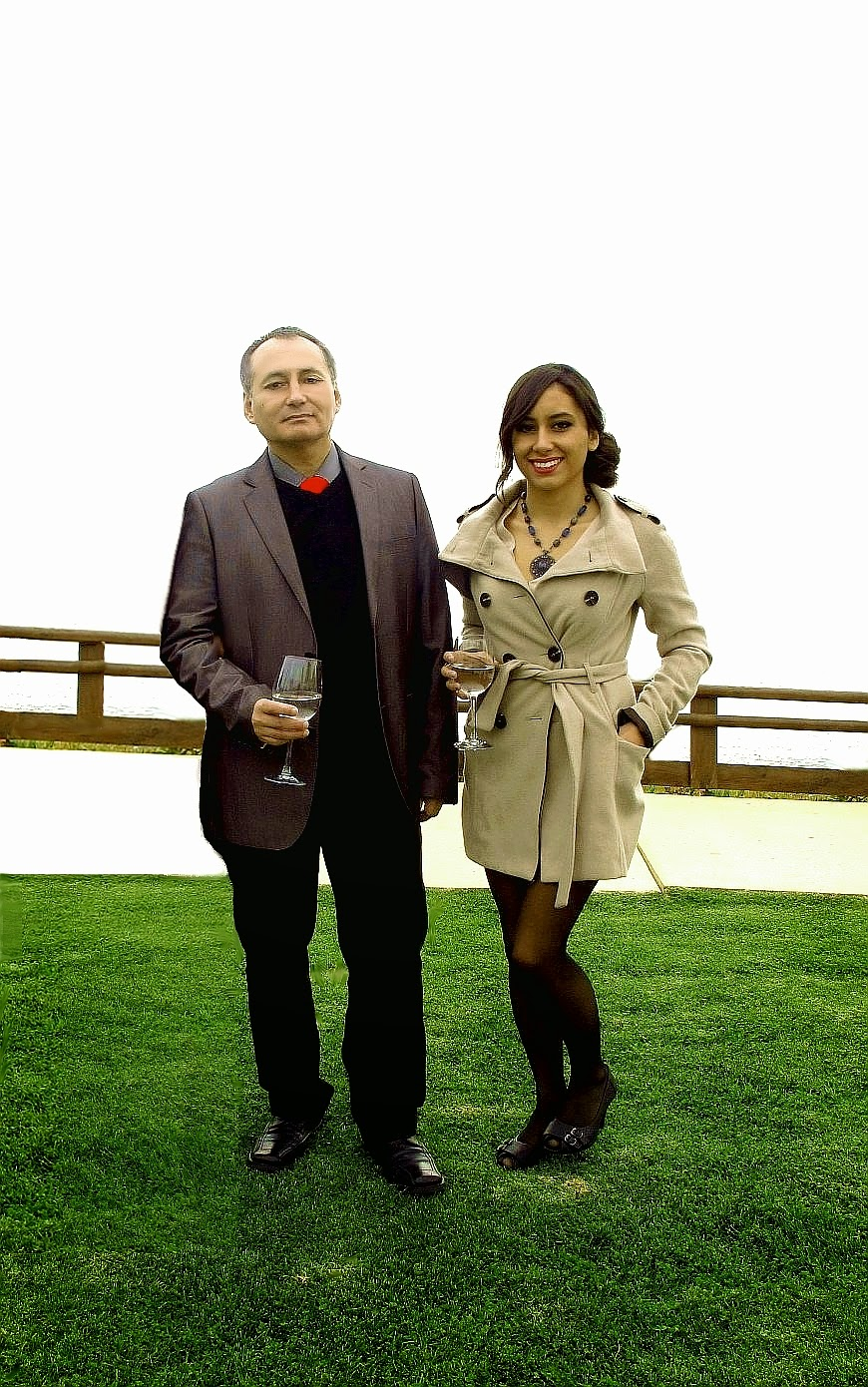 http://4.bp.blogspot.com/--_Ht0lmwXrM/U7i7rEWzxlI/AAAAAAAAVf8/qXZS6zUT72I/s1600/Adolfo+Vasquez+Rocca+PHD.+y+Valentina+Vasquez+Lopez+__+Psicologia+__700+PSI+6.0+Col.____+La+celebraci%C3%B3n+__15679+.jpeg
