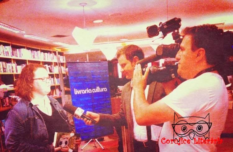 http://noticias.r7.com/fala-brasil/videos/livro-o-lado-sujo-do-futebol-denuncia-corrupcao-de-dirigentes-esportivos-24052014