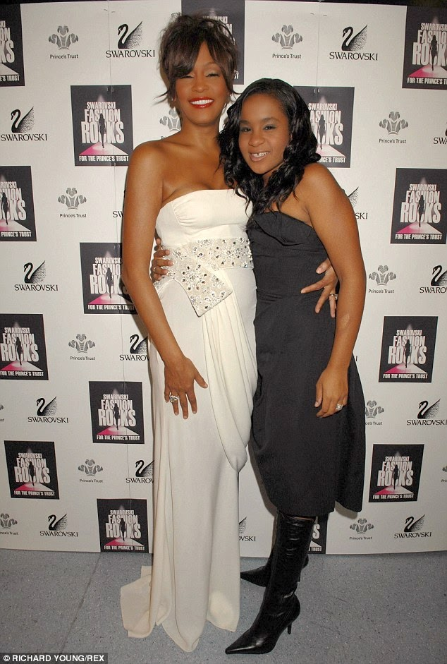 whitney houston s daughter bobbi kristina taken off life