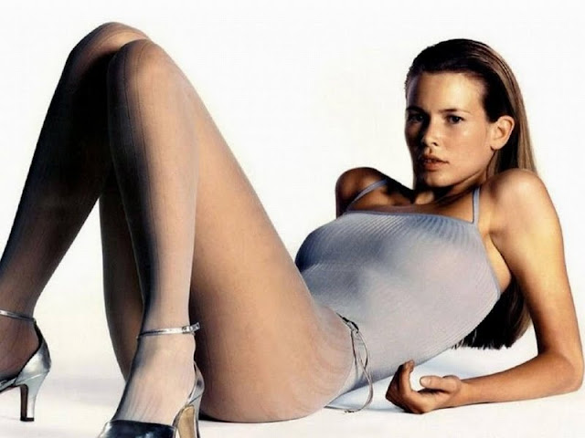 Claudia Schiffer Biography and Photos 2011
