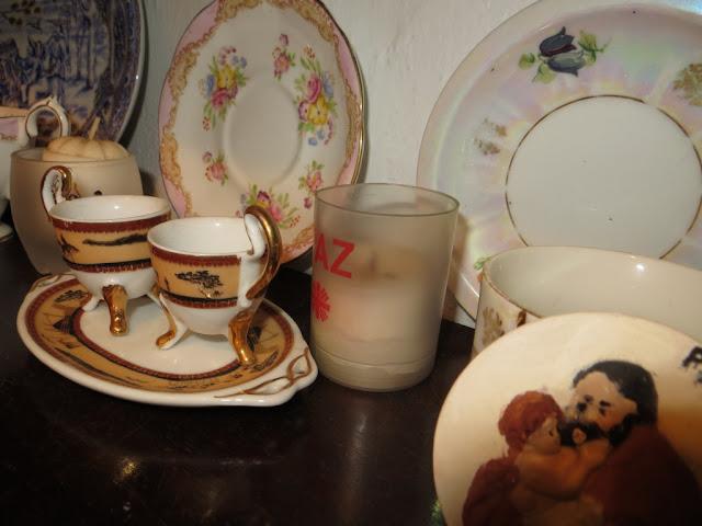 Fotografia Macro de Chávenas, xícaras e pires de café e chá
