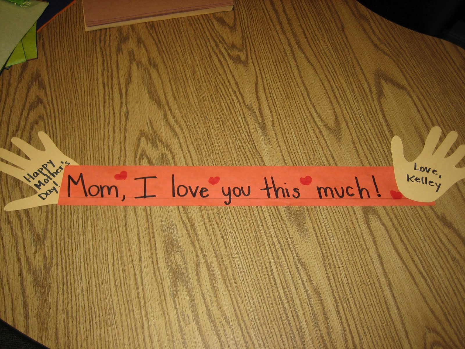 Crafts For Second Graders http://buggyforsecondgrade.blogspot.com/2012/05/mothers-day-craft.html