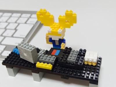 ナノブロックで作ったdeadmau5とDJシステム