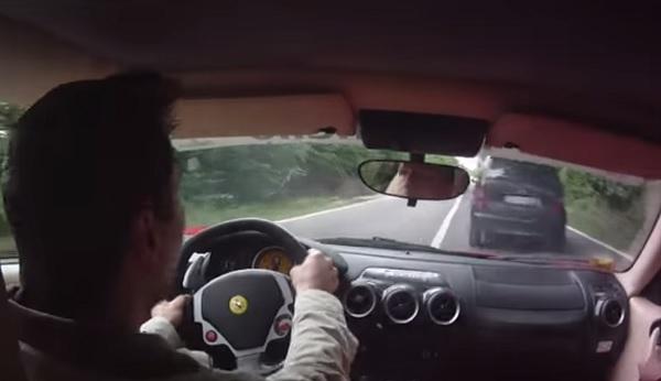 Este conductor y su Ferrari se salvaron de milagro (vídeo)