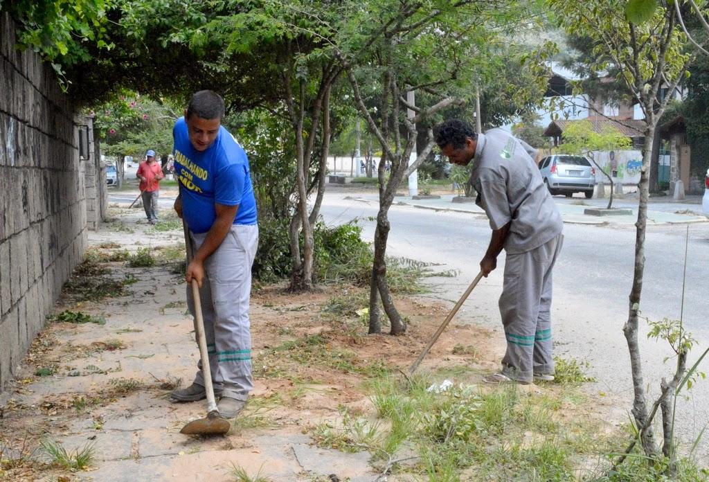 Capina e limpeza Rua Amazonas Araras
