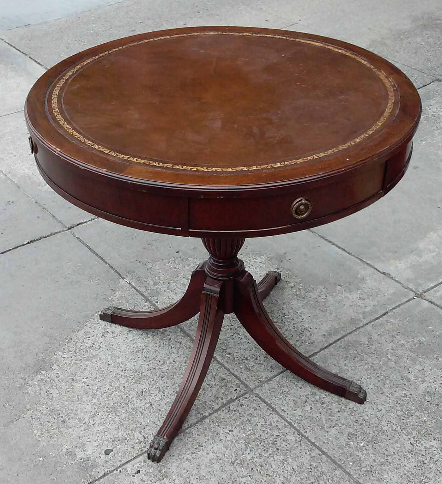 UHURU FURNITURE & COLLECTIBLES: SOLD Duncan Phyfe Style
