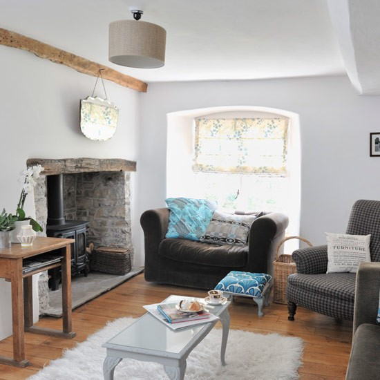 New home interior design see inside anwen 39 s modern country cottage for Modern country interior design