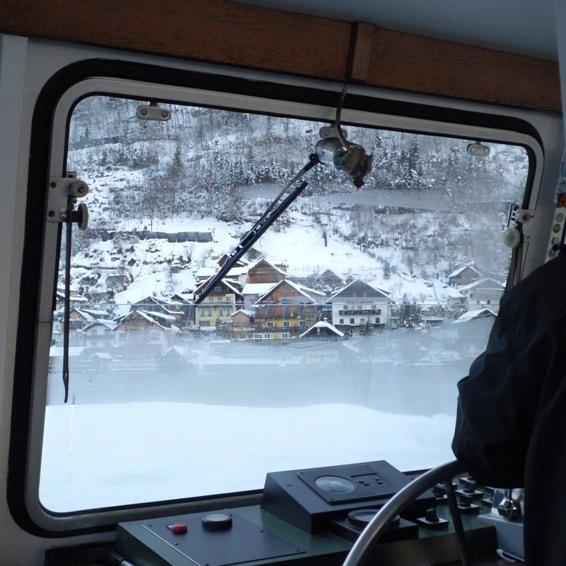 tekneyle Hallstatt'a doğru