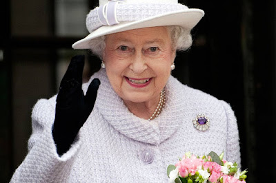 Queen Elizabeth extends greetings on the occasion of 50th Independence Day of the Maldives