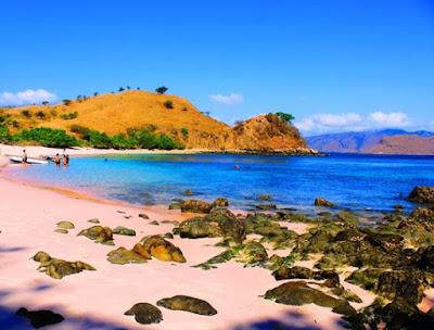 warna pink pantai tangsi
