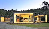 foto de fachada de casa moderna de lujo grande