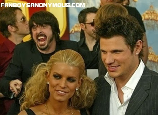 Foo Fighters frontman expertly photobombs Taylor Lautner