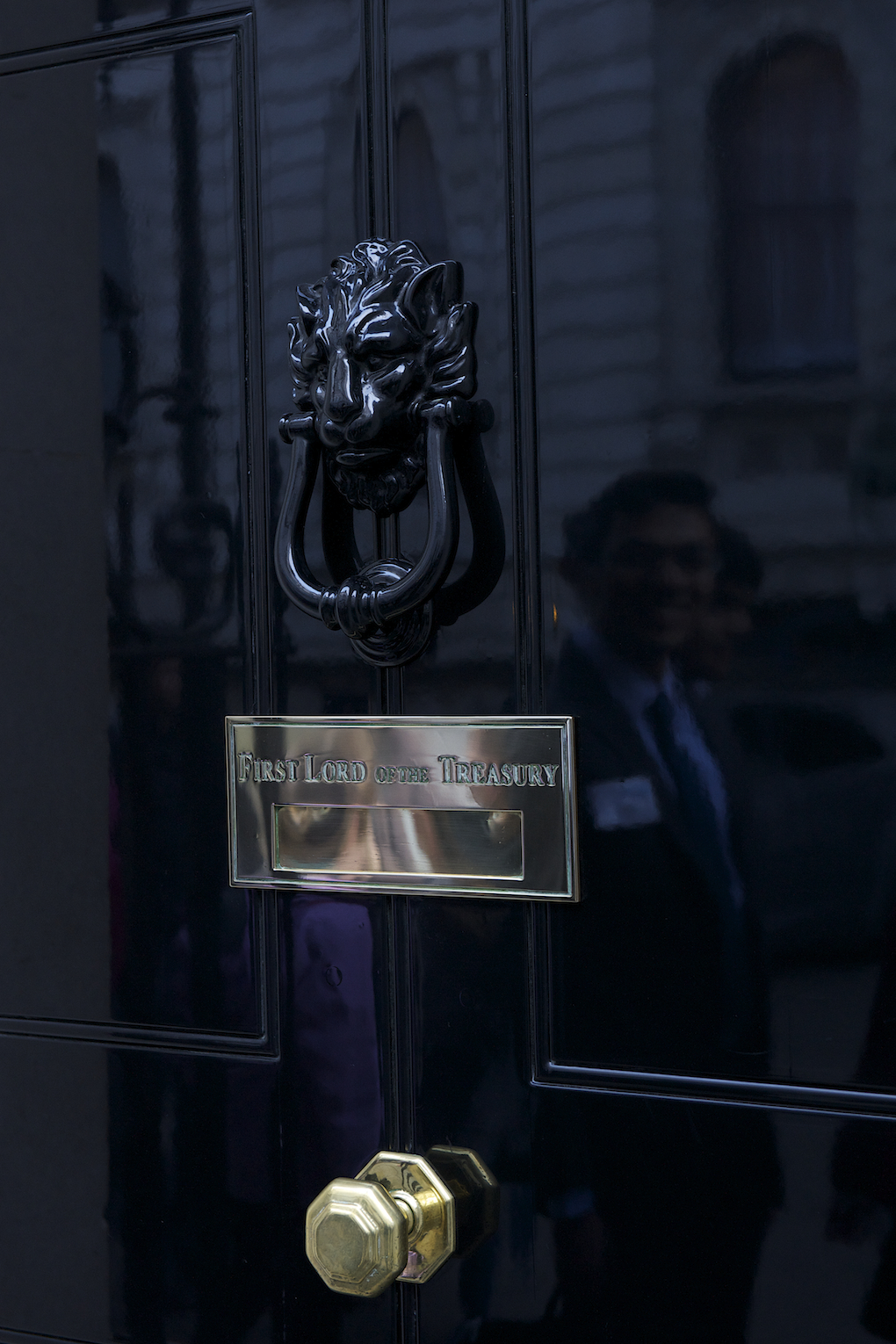 No 10 downing street twenty bridges from tower to kew for 10 downing street lion authentic foundry door knocker