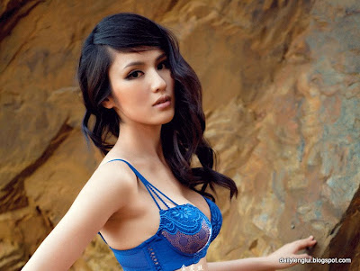 China Beautiful Model Kathy Yang Qian Qian 杨茜茜  Bikini Photos