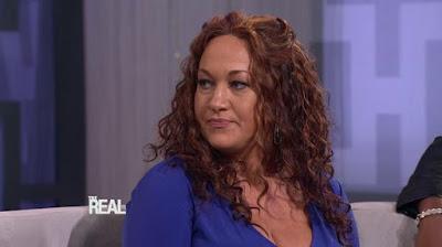 white woman pretends to be black