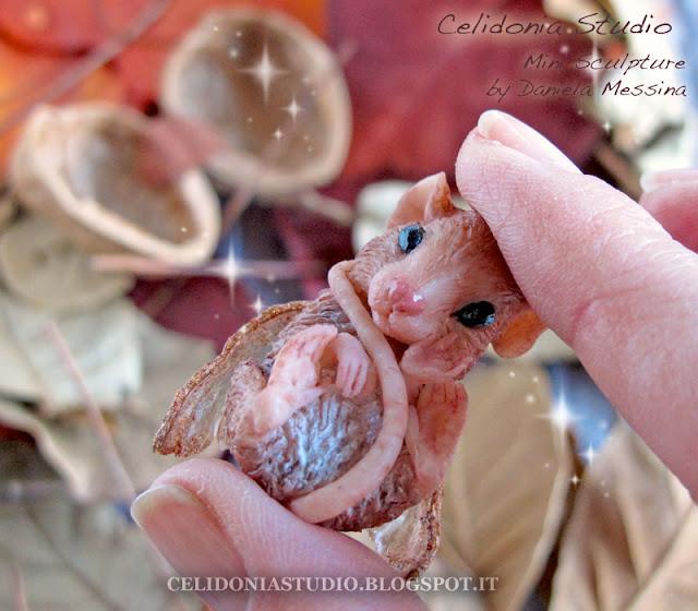 Walnut Fairy Mouse - OOAK Mini Sculpture by Celidonia - Daniela Messina