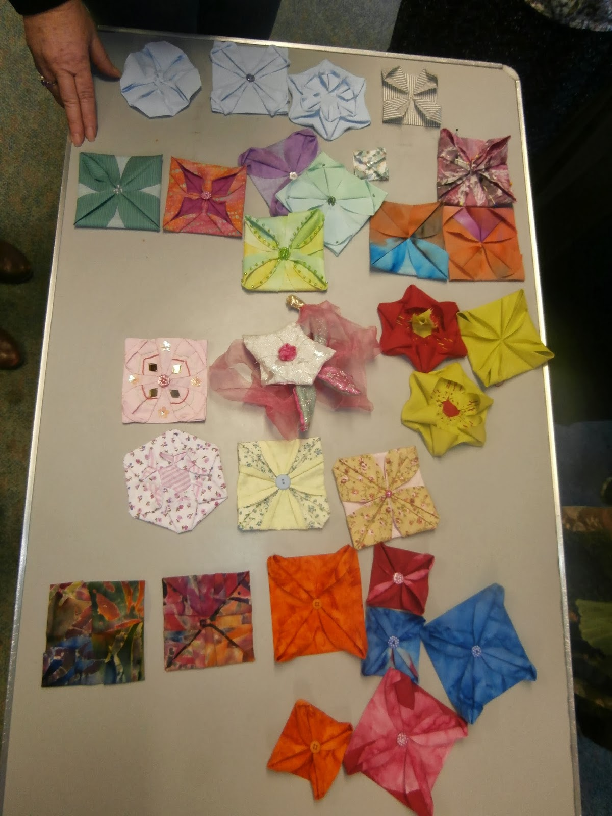 Lincoln Stitchers Origami Fabric Flowers With Mary Bull 18th Jan 2014