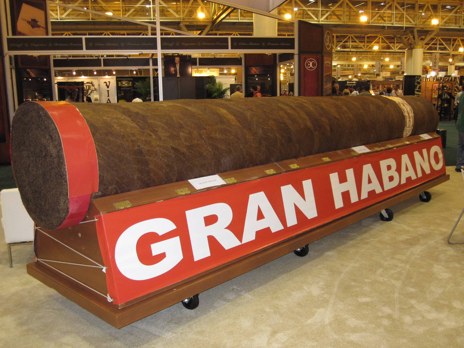 """Gran Habano no. 5 """"El Gigante"""" - most expensive cigar"""