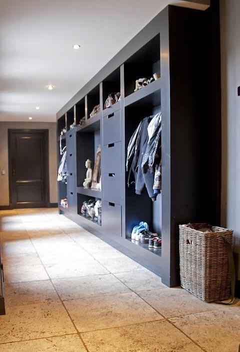 ... pareti e pavimenti per un arredamento elegante ma essenziale le pareti