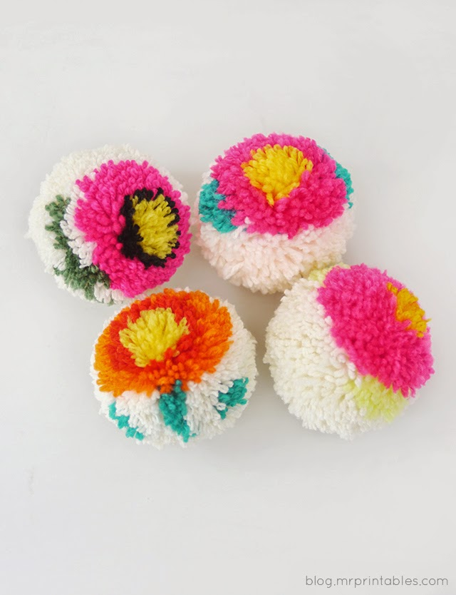pointgram making flower pom poms with a diy pom pom maker. Black Bedroom Furniture Sets. Home Design Ideas