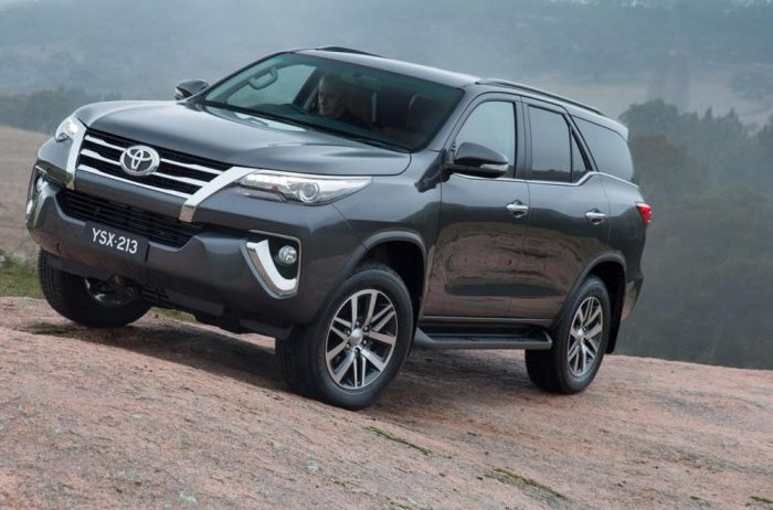 Toyota introduced the SUV Fortuner 2016 - Garage Car