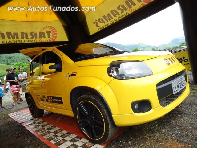 Novo Uno sporting amarelo