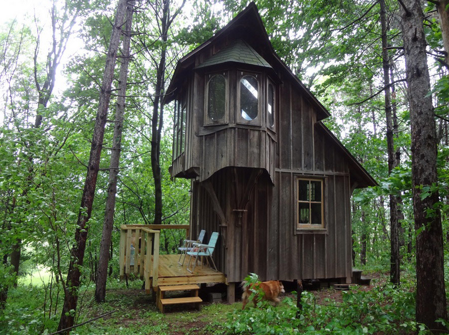 Coolest cabins cottage style cabin michigan for 2 story tiny house