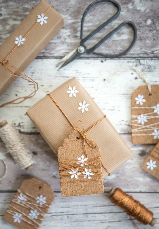 imagen_regalos_regalo_facil_envolver_ideas_sencillo_idea_papel_adornos_troquel_estrellas