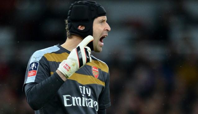 adidas envía los guantes de Cech...¡al Chelsea!