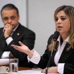 A psicóloga Marisa Lobo, que durante a audiência pública defendeu o direito de psicólogos atenderem pacientes que busquem mudar a sua orientação sexual (Foto: Beto Oliveira/Agência Câmara)