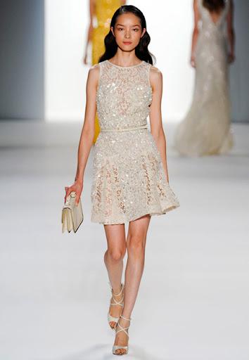 Дантелена рокля от Elie Saab