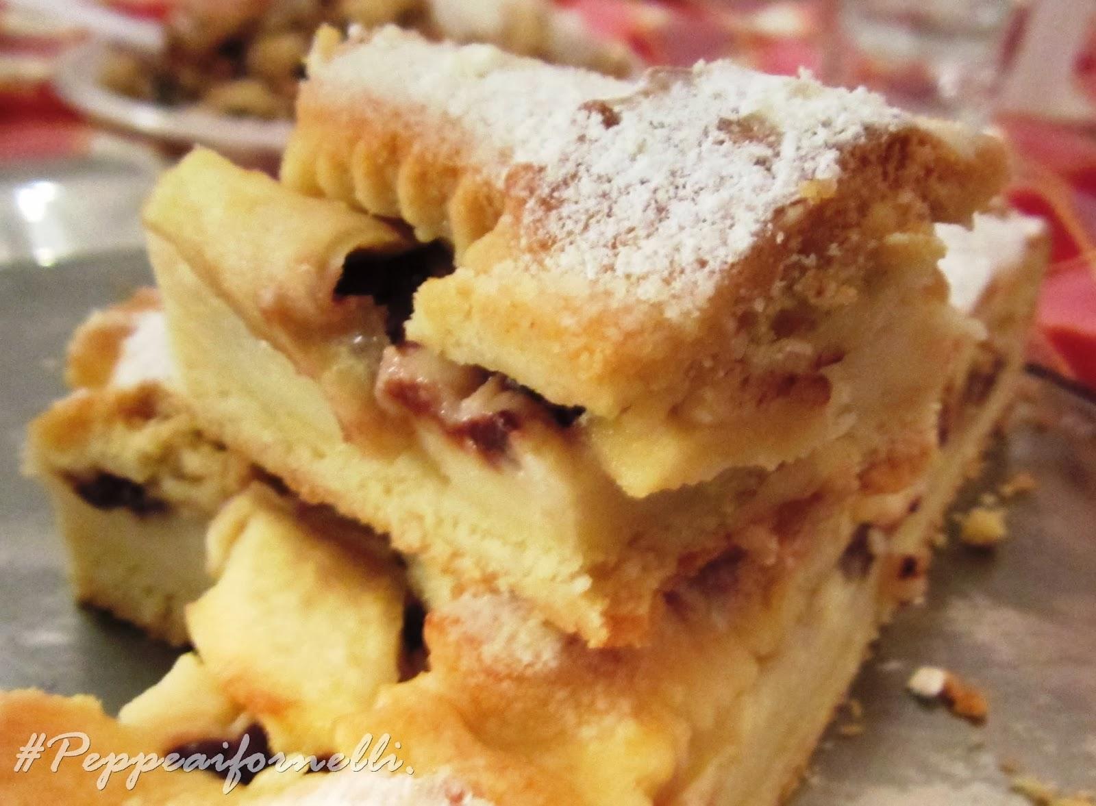 crostata con crema e mele.