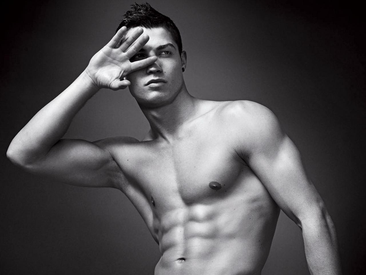 http://4.bp.blogspot.com/--eHeXiwUD10/T7jTrLK-5QI/AAAAAAAAKDc/_DJrUulNjq8/s1600/Cristiano-Ronaldo+5.jpg