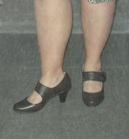 Wider shot. Too young (the shoes) ? Too stumpy (my legs) ?