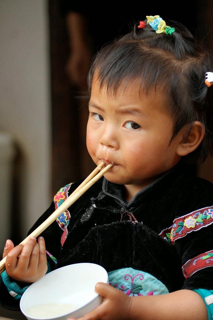 Liao Yiwu, Bóg jest czerwony, Okres ochronny na czarownice, Carmaniola