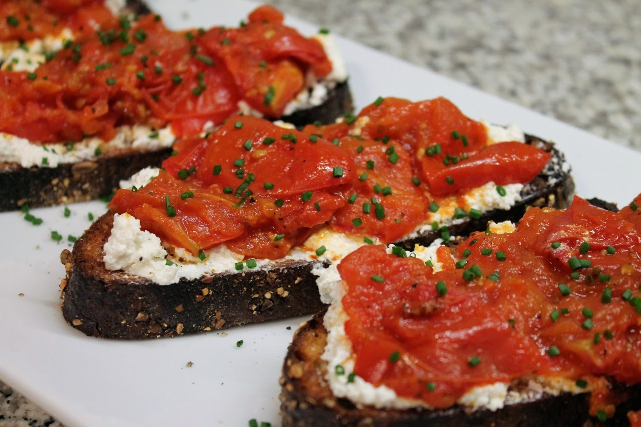 Cook In / Dine Out: Roasted Tomato and Ricotta Bruschetta