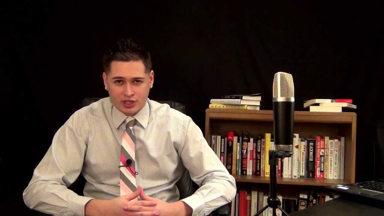 Kyle Kulinski reads books