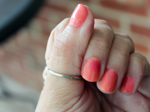 How to: Sunset Manicure