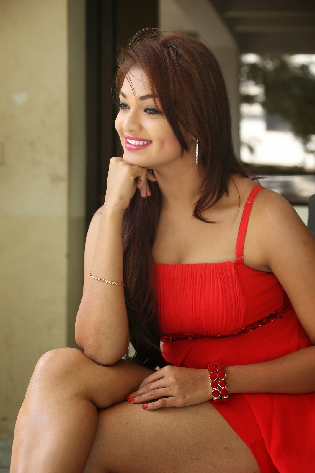 Ashwini Sizzling beauty in Red GOwn at Vinodam 100% Movie Press meet