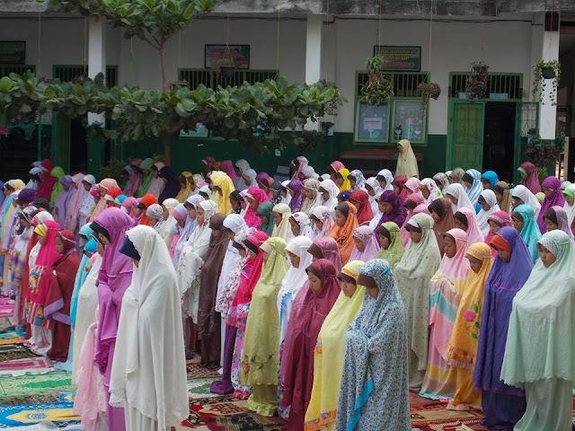 Sholat Istisqo di SDIT Wahdatul Ummah Metro