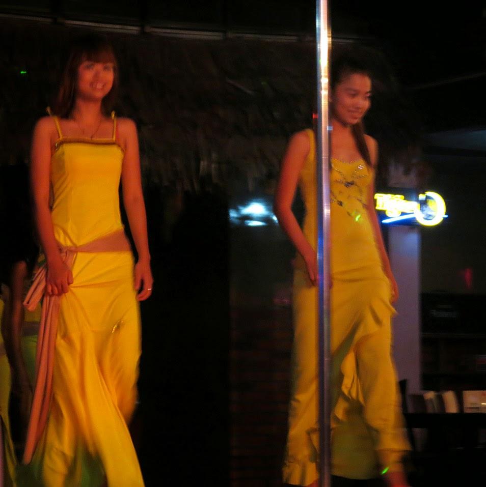 Yangon girls at night