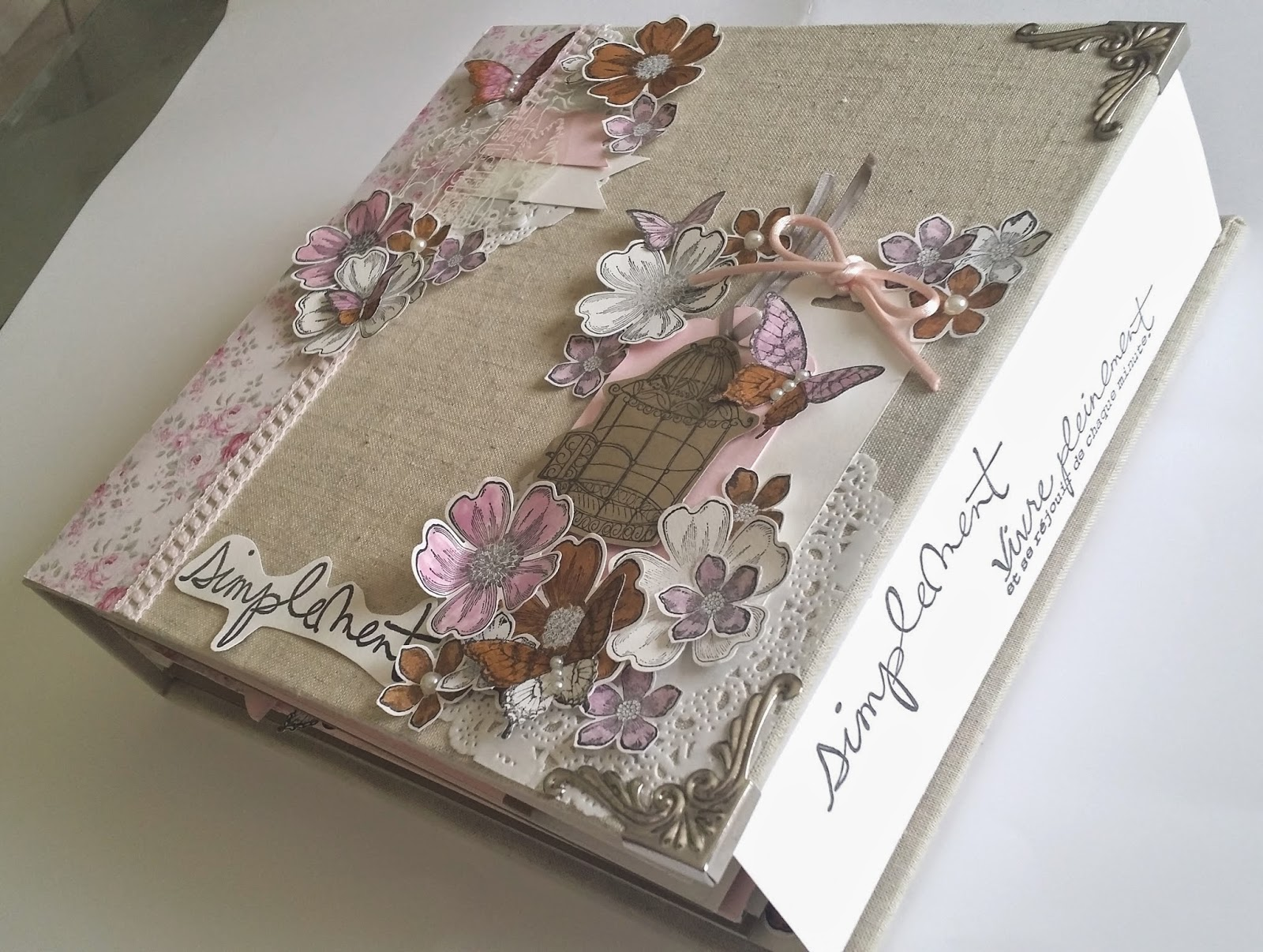 alicea cook and scrap mini album shabby fleurs et papillons. Black Bedroom Furniture Sets. Home Design Ideas