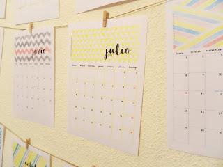 http://mipapelpreferido.blogspot.com.es/2015/12/calendar-2016-free-printable.html