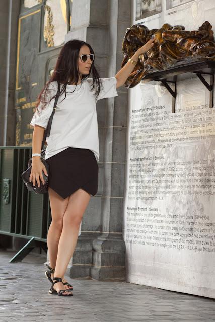 Look en Blanco y Negro con Falda origami