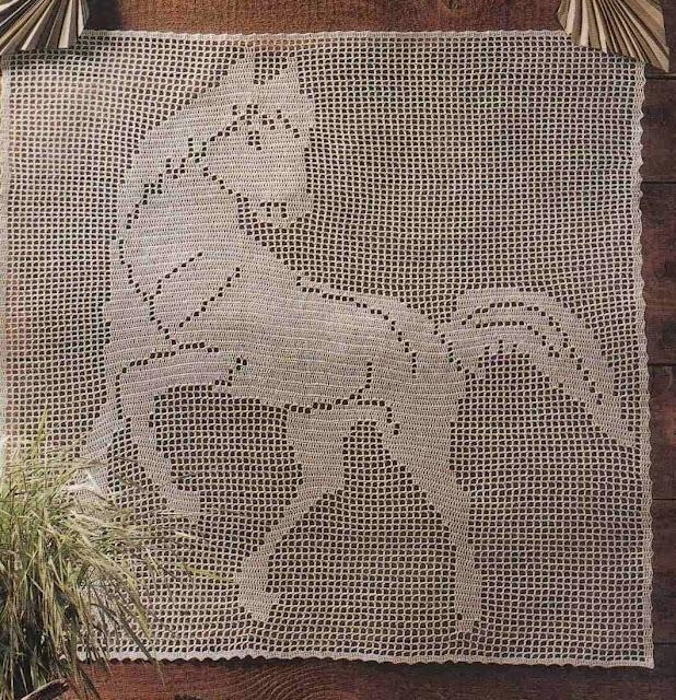 Toalhinha quadrada com cavalo