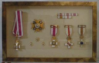 Ideas novedades trucos y consejos en enmarcaci n for Ideas para colgar medallas