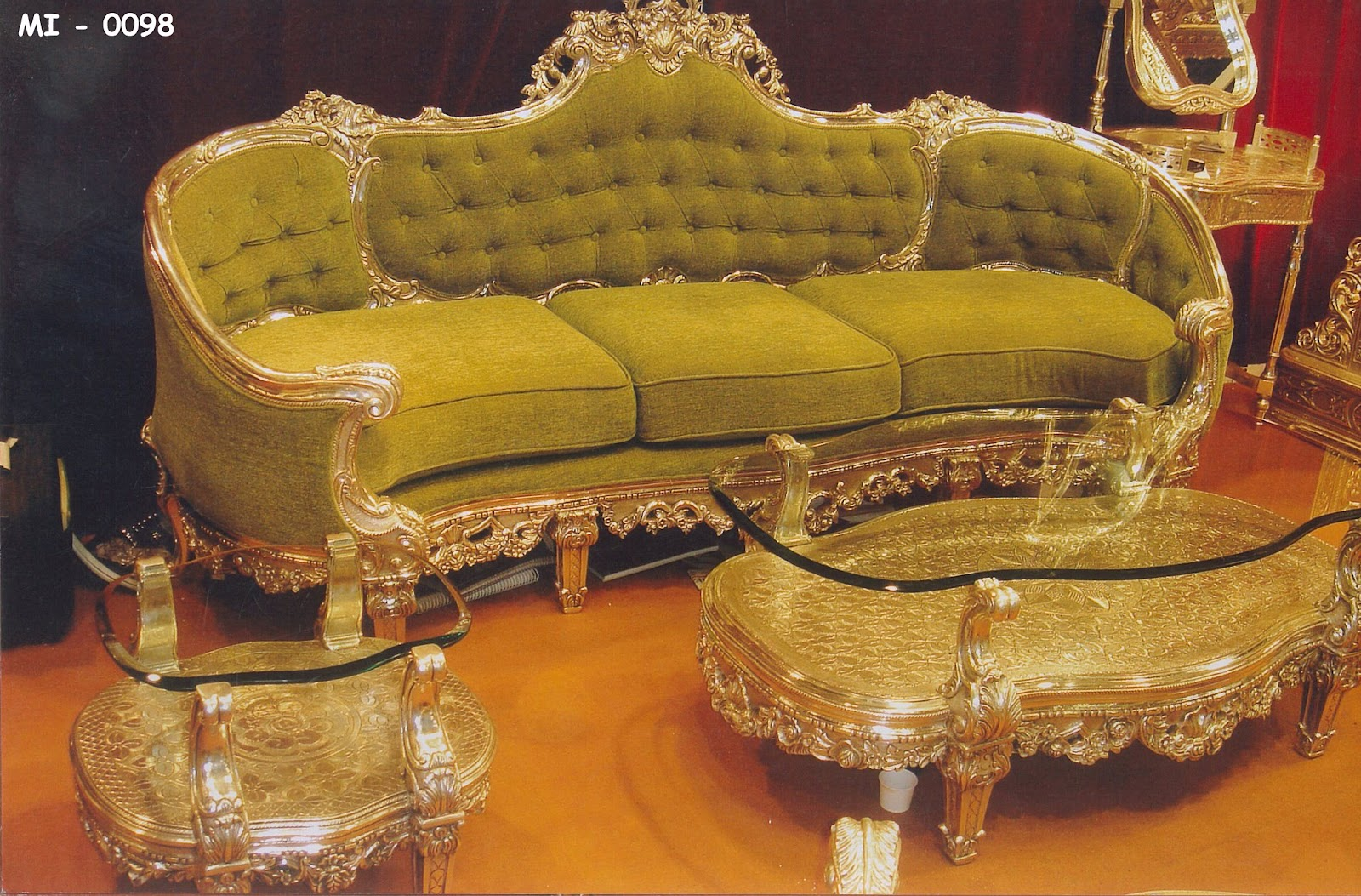 Royal Antique Living Room Suite